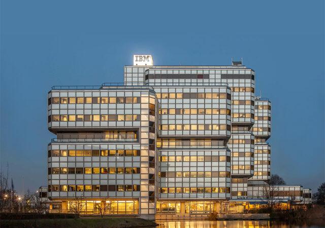 IBM hoofdkantoor Nederland (Wout Ellerman, 1976), Amsterdam, dec